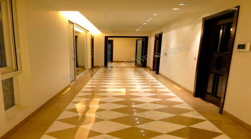 Safdurjung Enclave,375 Yards,Corner,Ground Floor,4 BHK