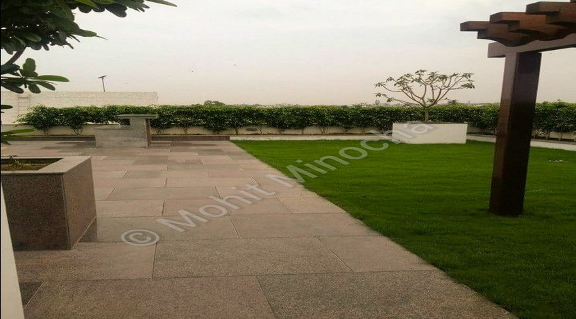 Houses for Sale in Gulmohar Park, 300 Yards Top Floor with Terrace