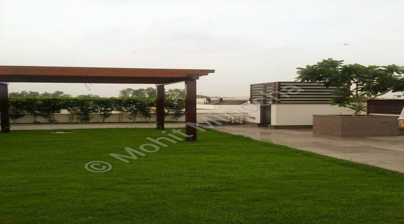 Property for Sale in GK 2 Delhi, Park Facing 300 Yards Top Floor with Terrace