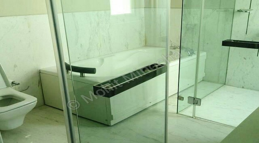 bathroom 24 aug 15 (2)