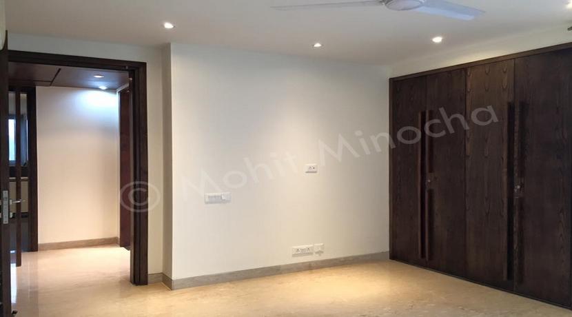 bedroom 14 apr 16 (106)