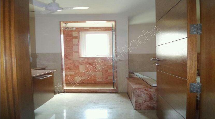 bathroom-16-sep-16-15
