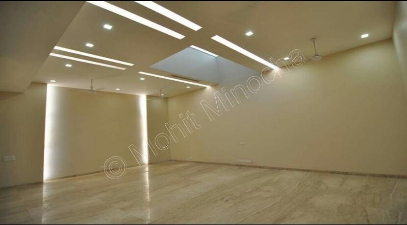 Hauz Khas Enclave Property Sale, 510 Yards Basement and Ground Duplex
