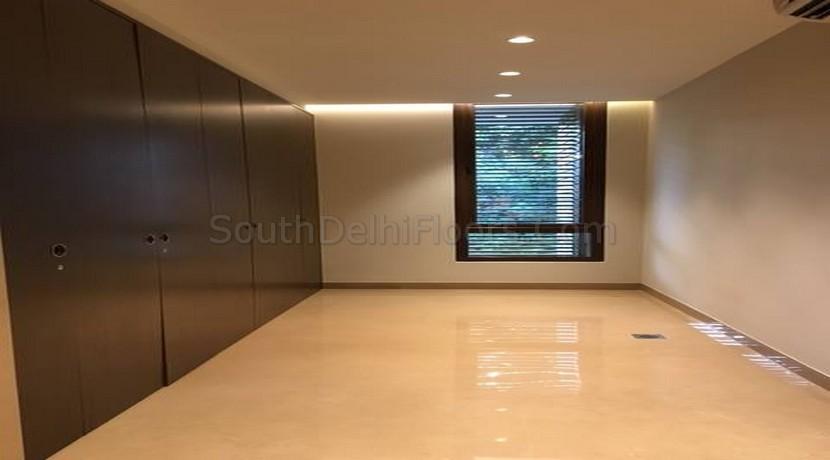 Property Dealer in Hauz Khas New Delhi, 260 Yards East Fac Floors for Sale