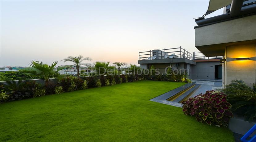 Property in Geetanjali Enclave, 340 Yards, Top Floor with Terrace Garden